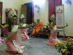 ไฟล์:Dance make votive offerings -Phra Buddhu Suwannaphetar.ogv