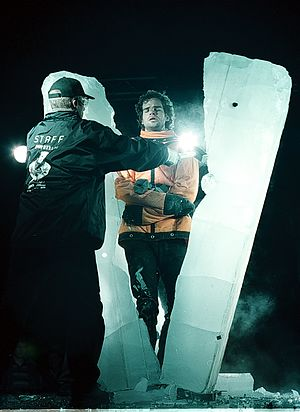 David Merlini - David Merlini frozen in a block of solid ice on Heroes Square, Budapest, Hungary, on the 29th of September 2001