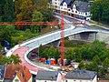 Die im Bau befindliche neue Nahebrücke in Kirn am 17.09.2011 von der Kyrburg aus gesehen - panoramio.jpg