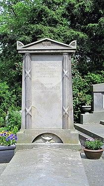 Dimpker grave.JPG