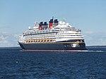 Disney Magic leaving Tallinn 7 August 2018.jpg