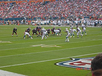 2007 Miami Dolphins season - The Dolphins on defense at home to Buffalo, November 11, 2007