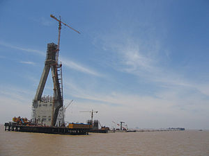 Donghai Bridge - Image: Donghai Bridge Construction