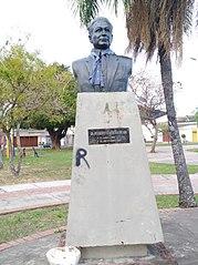 Busto del Dr. Humberto Vásquez Machicado