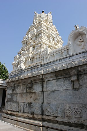 Venugopalaswamy Temple, Devanahalli - Image: Dravida sikhara over shrine in the Venugopalaswamy temple in the Devanahalli fort