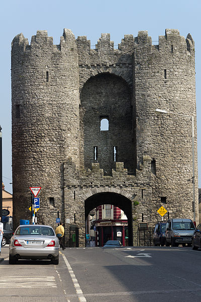 File:Drogheda - St. Laurences Gate (5638815336).jpg