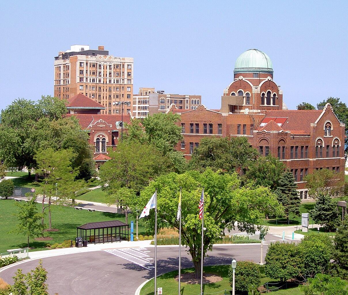 Fichier:Dumbach, Cudahy Hall, Loyola University Chicago ... Пенсильванский Университет