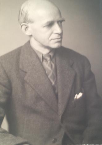 E. R. Dodds - Image: E. R. Dodds classical scholar