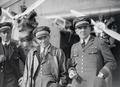 ETH-BIB-Drei Männer vor Fokker-Tschadseeflug 1930-31-LBS MH02-08-0454.tif