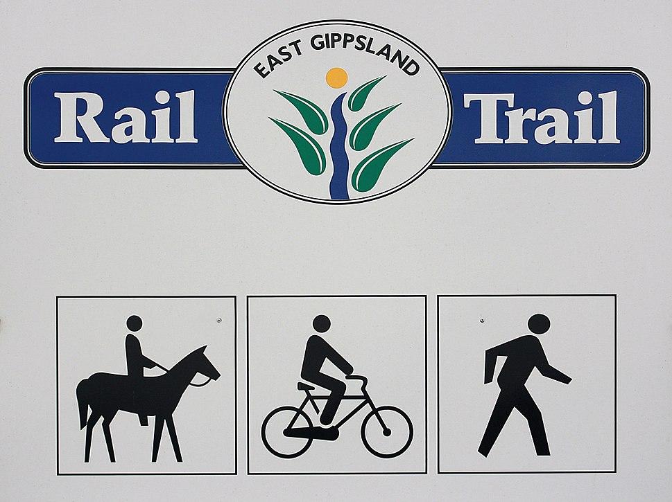 East-Gippsland-Rail-Trail-Sign-2,-near-Bruthen,-30.08.2008