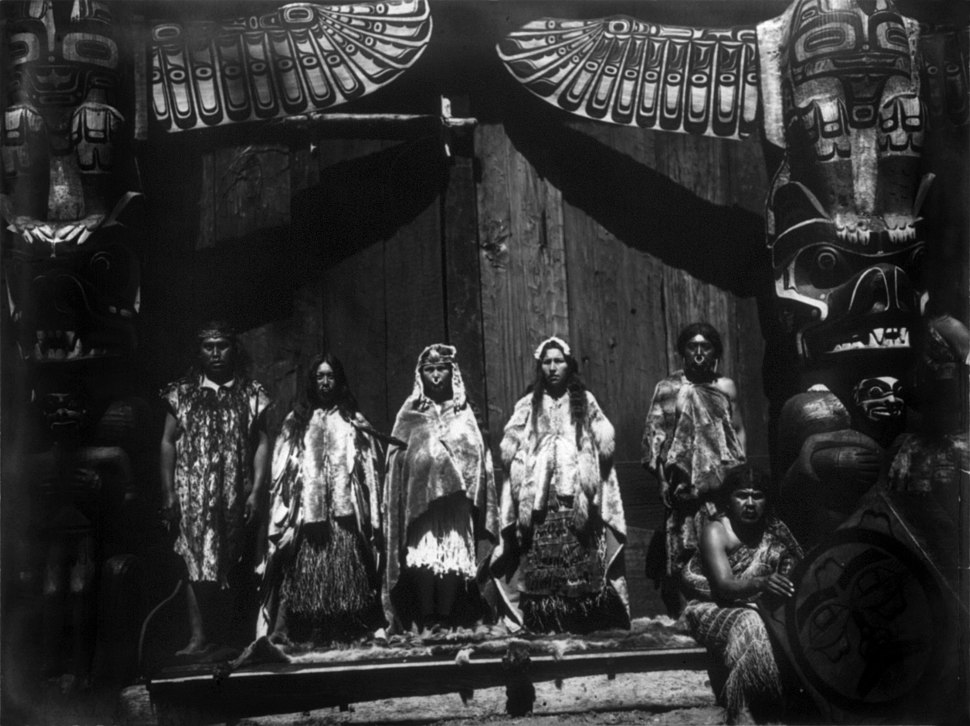 Edward S. Curtis, Kwakiutl bridal group, British Columbia, 1914