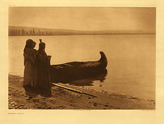Kutenai - Ktunaxa girls, photographed by Edward S. Curtis in 1911