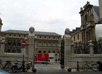 École nationale supérieure des Beaux-Arts - Entrance at 14 Rue Bonaparte
