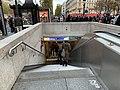 Entrée Station Métro George V Paris 6.jpg
