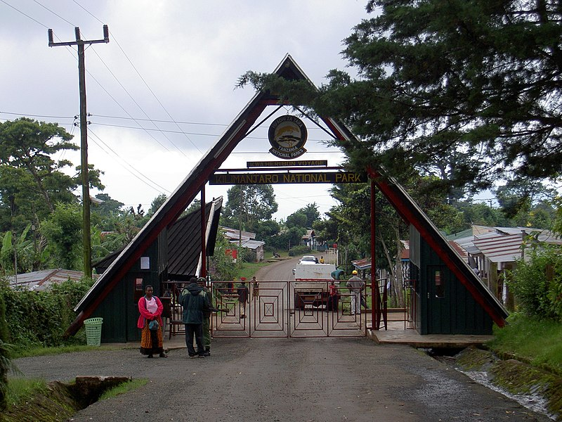 Dosya:Entrance to Kilimanjaro National Park.JPG