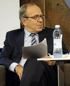 Erkki Liikanen at Bank of Finland seminar, 2016 01.jpg