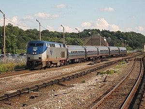 Ethan Allen Express - Image: Ethan Allen enters Croton Harmon 08 12 08