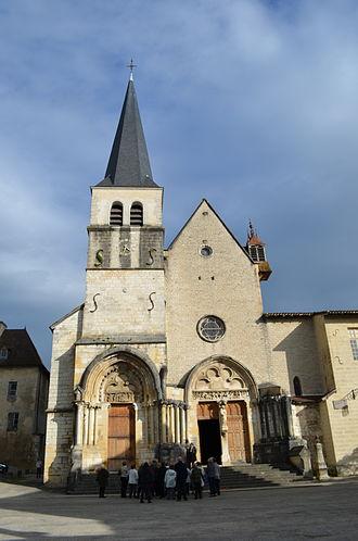 Ambronay - Image: Exterior of abbatiale Notre Dame d'Ambronay 7