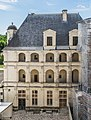 Facade of the Chambord Castle 02.jpg