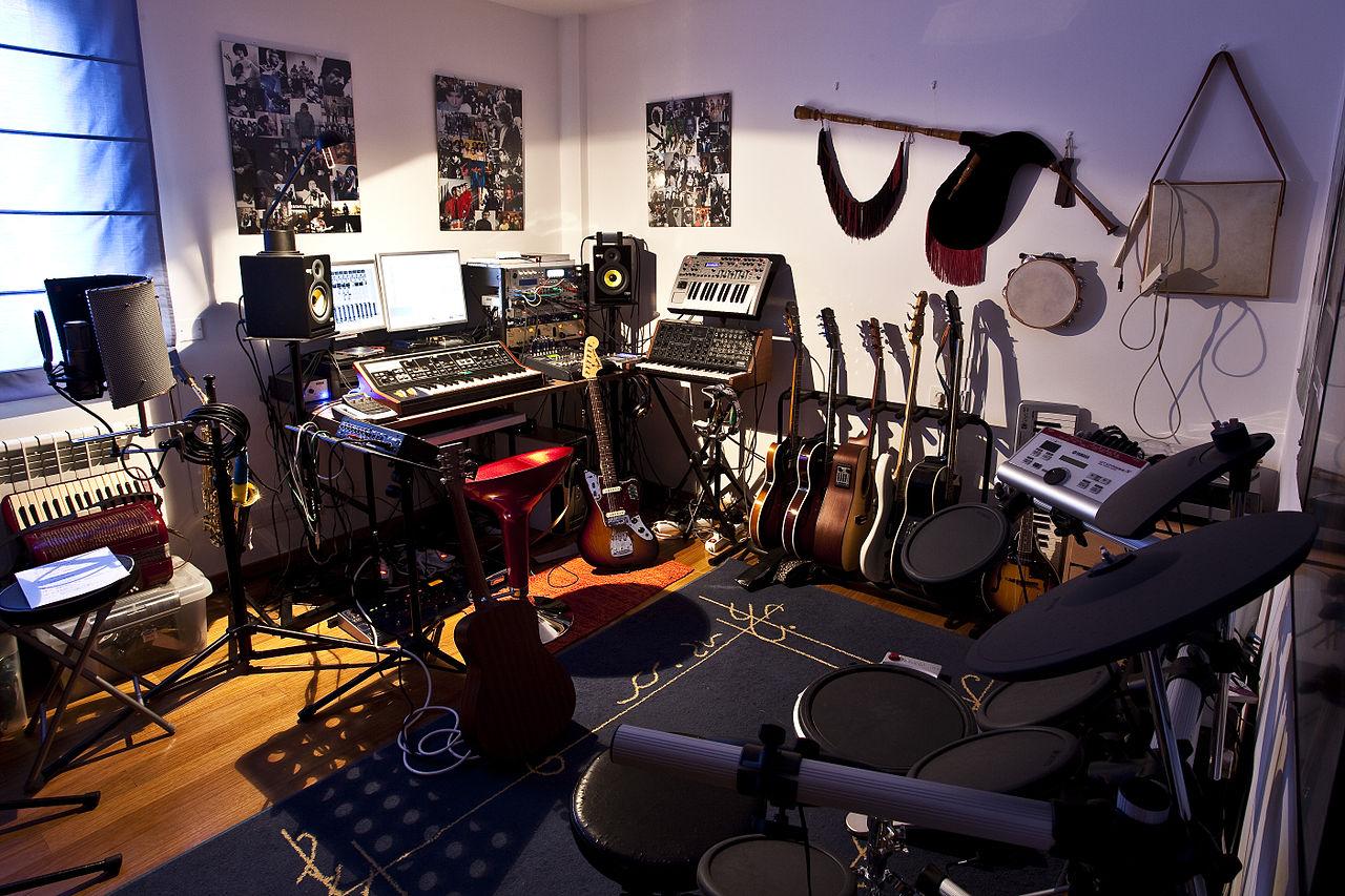 Noel Studio Room Reservation Eku