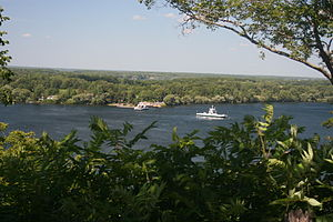 Ferries, Bay of Quinte, Prince Edward County. Ontario 4900.jpg