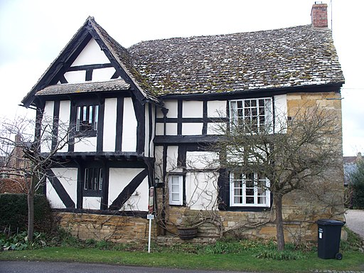 Fine old house, Childswickham - geograph.org.uk - 1720347