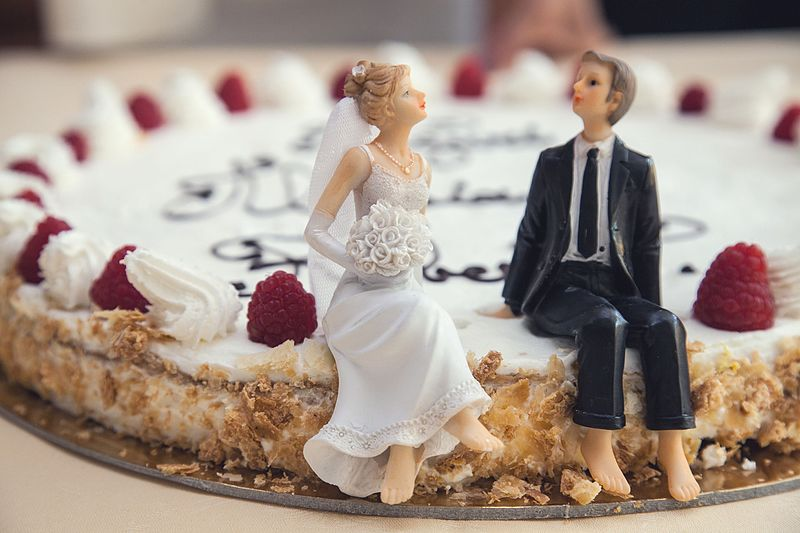 File:Food-couple-sweet-married (24242390121).jpg