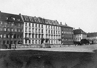 Frederiksholms Kanal 16–18 - The two properties in c. 1899