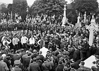 Patrick Pearse - Pearse (in uniform centre-right) at the funeral of O'Donovan Rossa at which he gave a graveside oration.