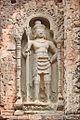 Gardien de porte du temple Preah Kô (Angkor) (6823876122).jpg