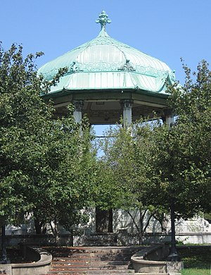 Garfield Park (Chicago) - Garfield Park bandshell