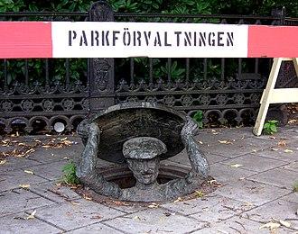 Nybroplan - Humorous sculpture by Bejermark.