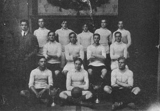 Gimnasia y Esgrima de Buenos Aires - The football team of the club in 1906.