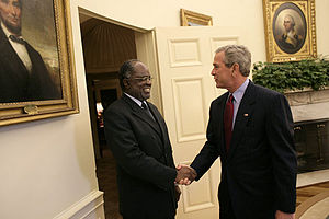 Hifikepunye Pohamba - Pohamba with United States President George W. Bush in June 2005.