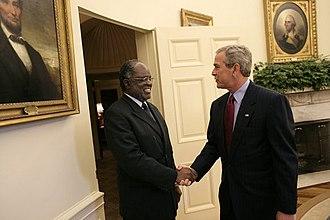 Hifikepunye Pohamba - Pohamba with United States President George W. Bush in June 2005.