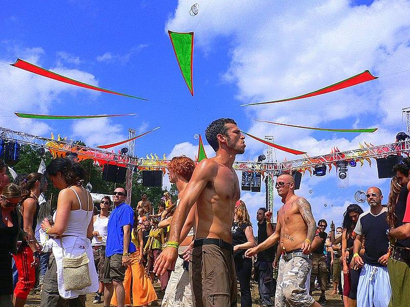 File:Goa Carnival.jpg