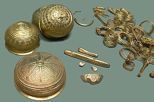 Golden hat - The Eberswalde Hoard, with similar symbols