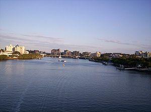Goodwill Bridge und CityCat
