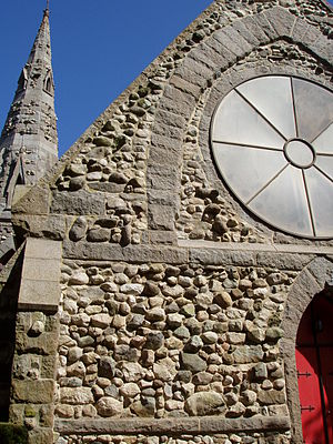 Grace Episcopal Church (Medford, Massachusetts) - Image: Grace Episcopal Church (Medford, MA) west facade