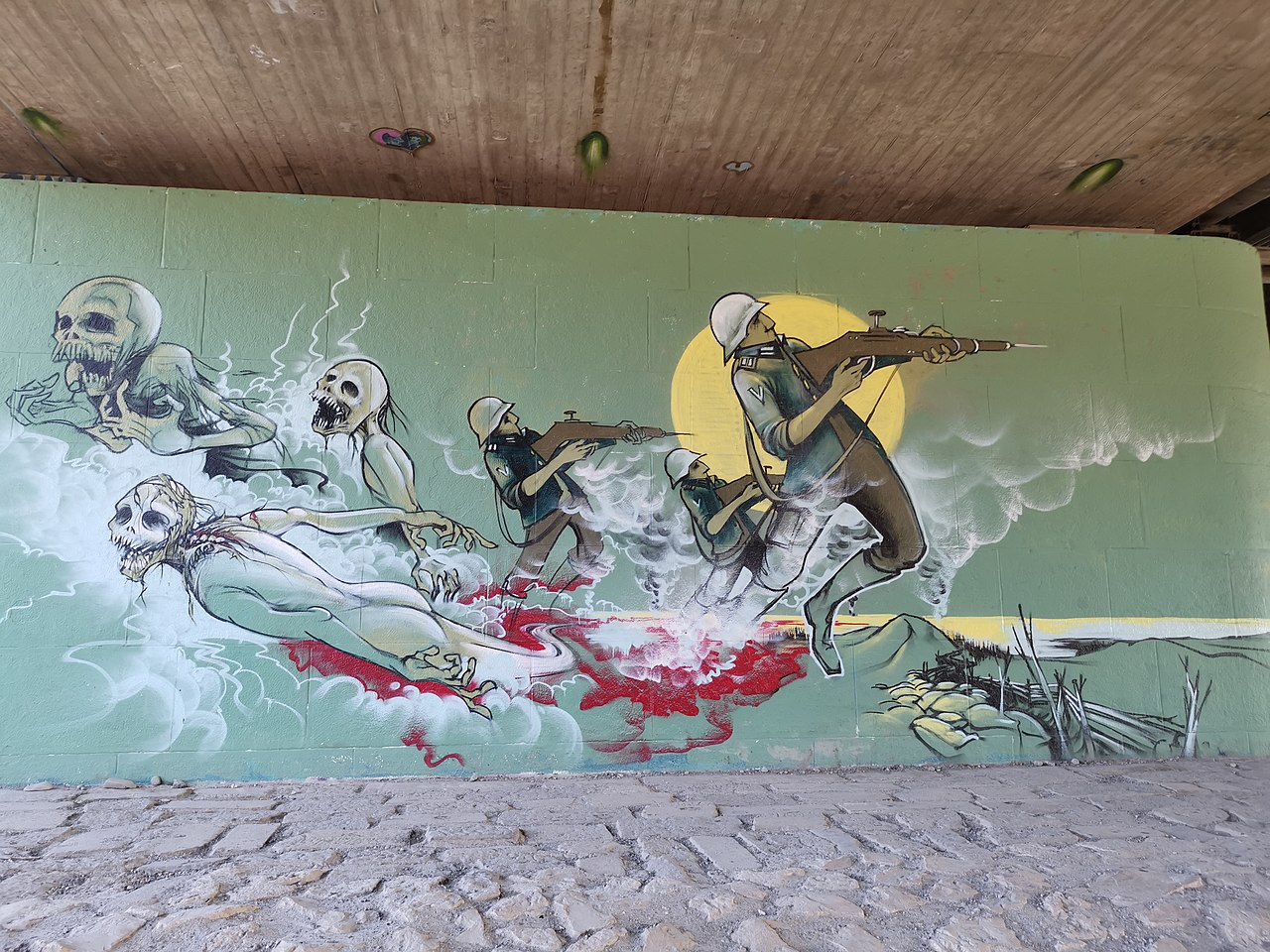 Graffiti Brudermühlbrücke München Isar Soldaten Sterben Tod.jpg