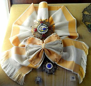 Order of Isabella the Catholic - Image: Grand Cross of the Order of Isabella the Catholic (Spain) Memorial JK Brasilia DSC00387