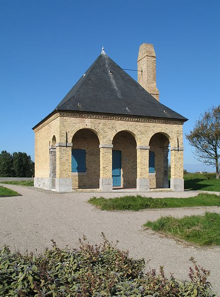 Gravelines (département du Nord, France): 18th century sentry house on the city ramparts
