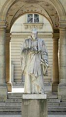 Statue de Guillaume Budé, Collège de France