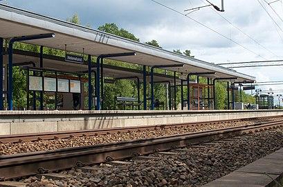 Vägbeskrivningar till Helenelund Station med kollektivtrafik