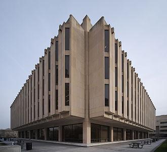 Hillman Library - Image: Hillman Library, exterior (brighter)