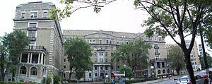 Hôpital Notre-Dame - Image: Hopital Notre Dame 01