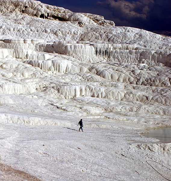 File:Hot Springs of Pamukkale Turkey.jpg