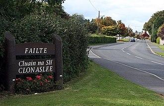 Clonaslee - Clonaslee, R422 heading west into the village