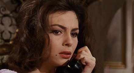 Michèle Mercier as Rosy in Black Sabbath I tre volti della paura, il telefono.JPG