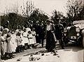 Ihre Majestät Kaiser in Zita besichtigt die Abgebrannte Ortschaft Pöckau.(4-VI.1917.) (BildID 15798747).jpg